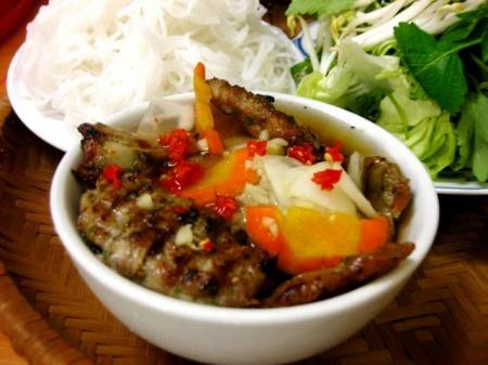 Hanoi street food tour - Grazing, Vietnamese style