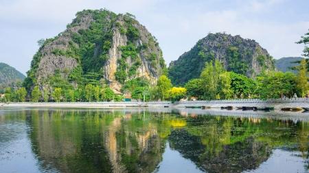 VIE-16 (18Days/17Nights)Highlight Vietnam Tour plus Phu Quoc Island